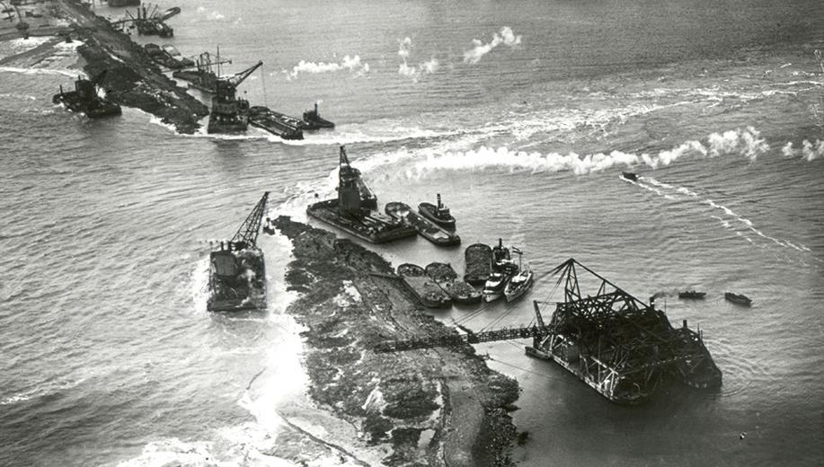 11-1931-twee-dagen-voor-sluiting-oostelijk-sluitgat-Middelgronden