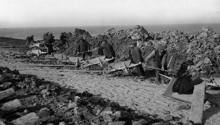 7-1929-grondverzet-met-de-kruiwagen