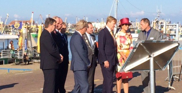 Koningspaar bezoekt Waddenpoort Den Oever