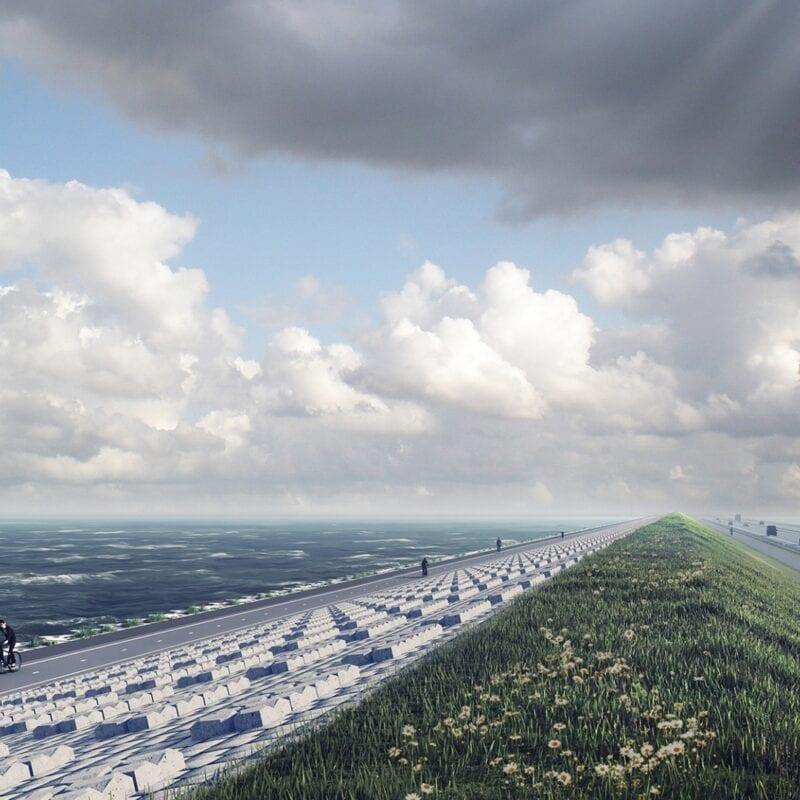 Op de foto zie je een nieuwe Afsluitdijk. De dijk heeft een nieuw fietspad, is bekleed met nieuwe blokken, daarna gras en weg.