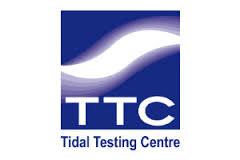 Logo van TTC. Hier staat een paars blok met een witte golf erin. In het blok staan ook de witte letters TTC. Onder het blok de paarse letters: Tidal Testing Centre.