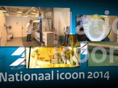 Nationaal Icoon 2014. We zien een blauwe achtergrond met een viertal foto's. Eén is scherp: een laboratorium. Onder staat de tekst: Nationaal Icoon 2014.
