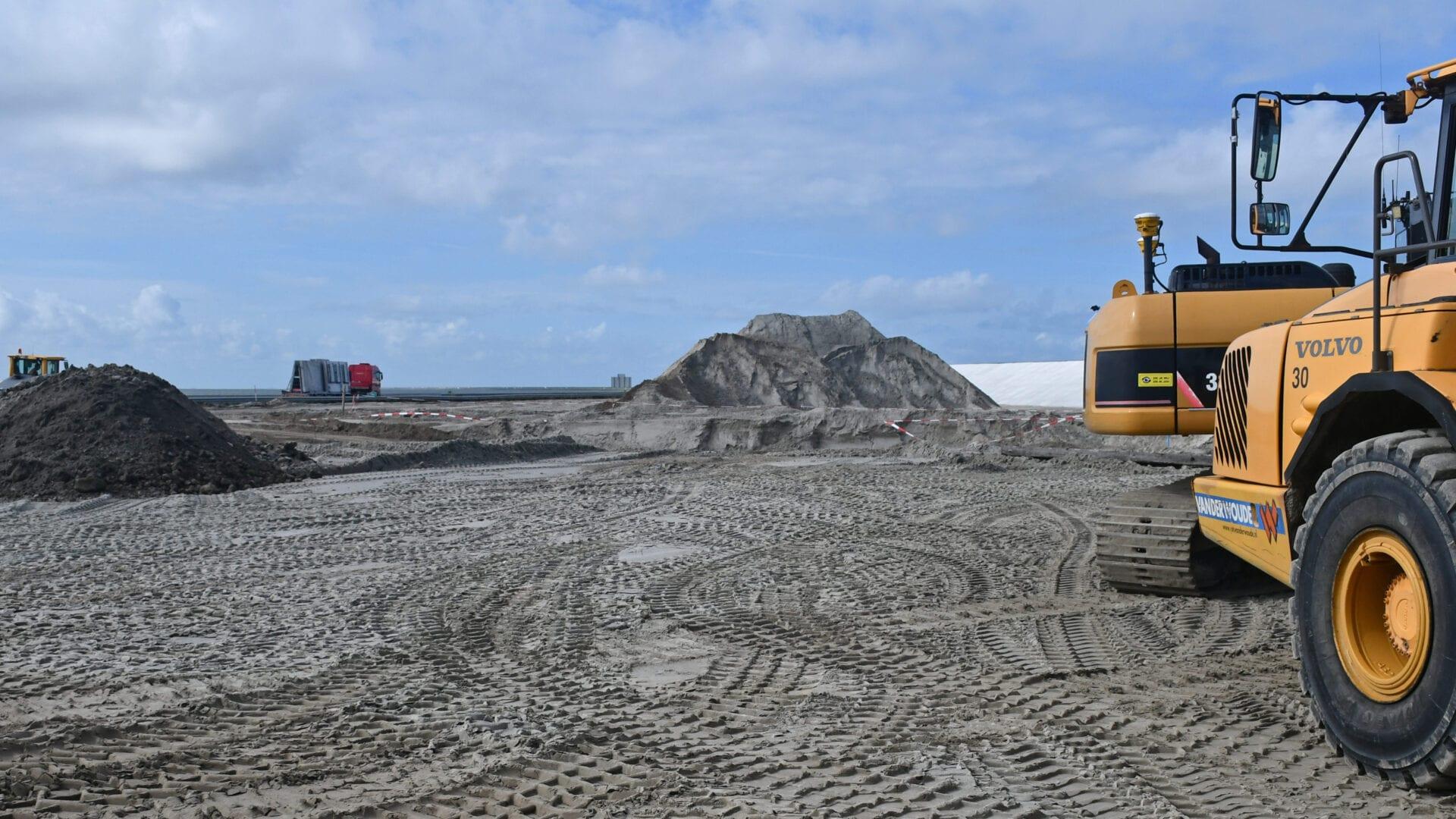 Voor de bypass worden voorbereidende werkzaamheden uitgevoerd zoals het egaliseren van de grond,