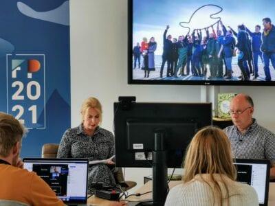 Avine Fokkens opent de Fish Passage Conference vanaf de Afsluitdijk
