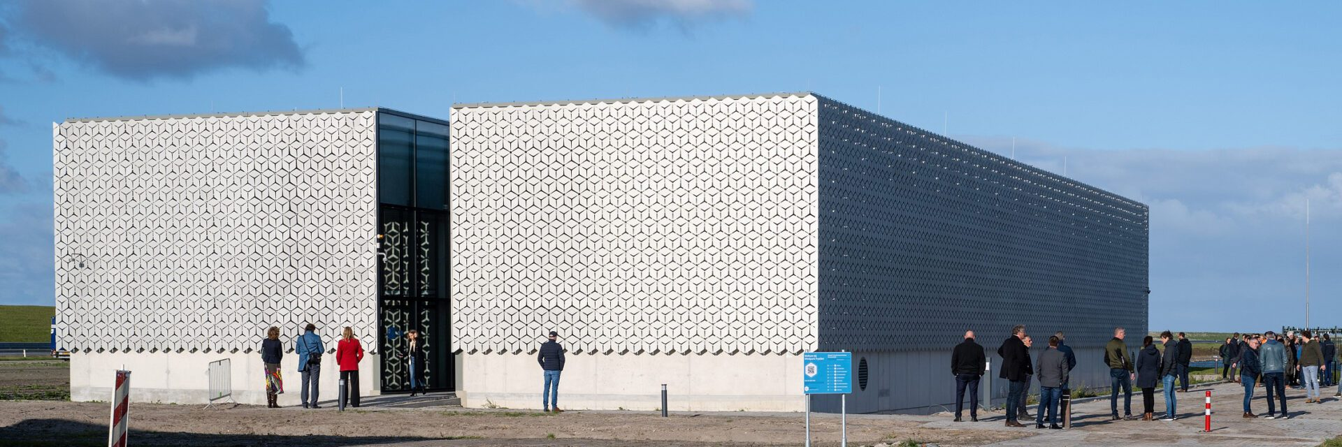 Trtanformatorstation Windpark Fryslan bij Breenzanddijk